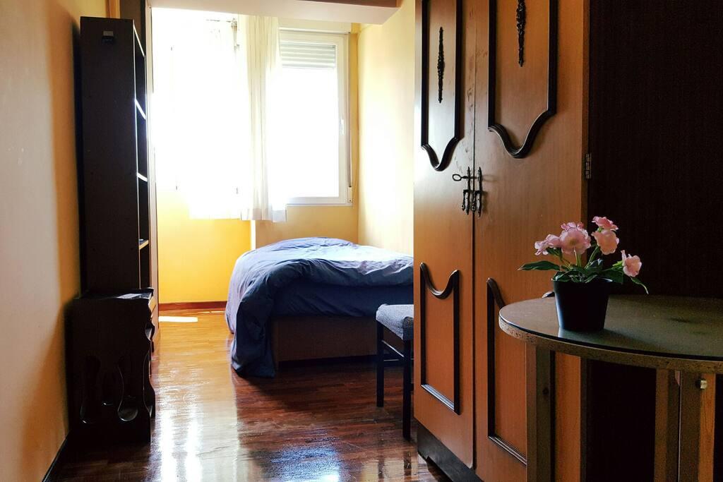 Habitaci n privada doble grande apartamentos en alquiler - Alquiler de habitacion en madrid ...