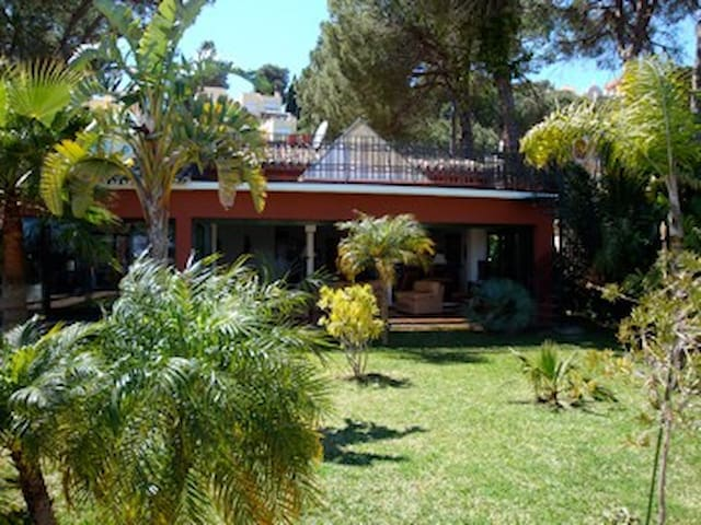 SPLENDID VILLA NEXT TO PUERTO BANUS & GOLF COURSES - Marbella - Haus