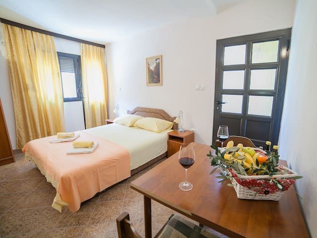 Harmony - Cozy Double Room with Balcony - Budva
