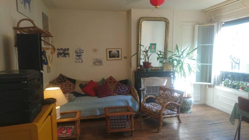 Appartement typiquement Parisien proche Montmartre