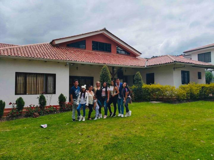Casa Rustic/Modern(Cuenca-Ecuador)15 min from City