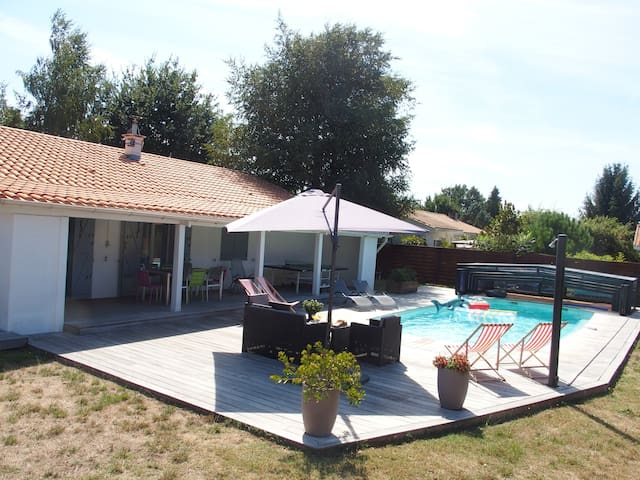 House with sw.pool for 8 guests