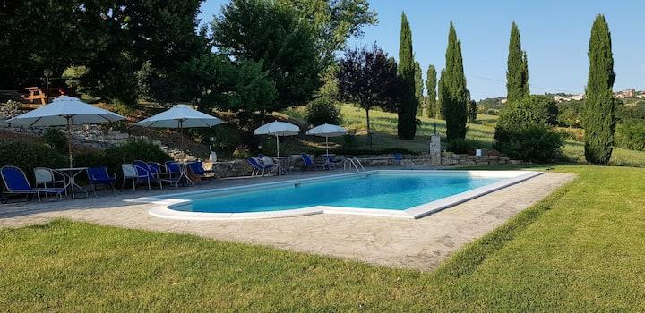 Case in Campagna con piscina Todi AppartamentoA