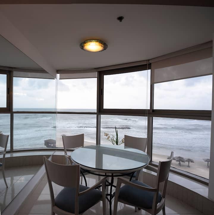 Апартаменты с двумя спальнями у моря