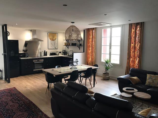 Appartement 2 à 7pers -Auxerre, avec parking privé