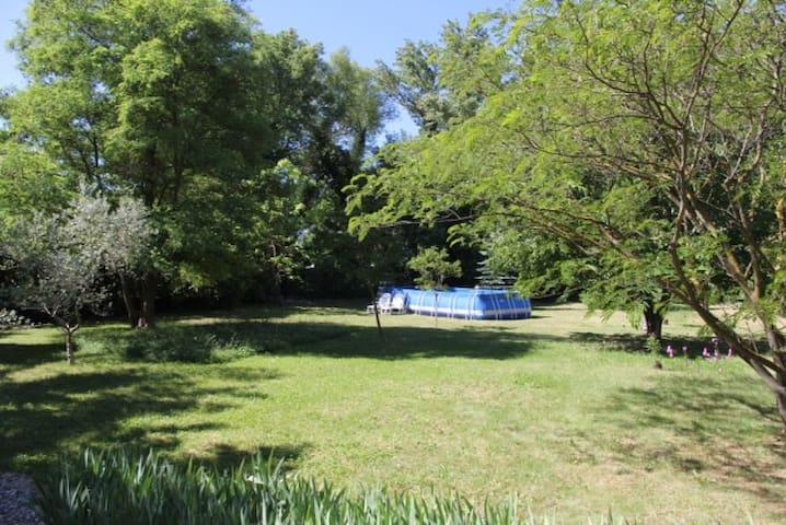 Maison dans le Parc du LUBERON - Corbières - บ้าน