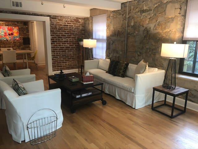 One bedroom in VaHighlands/Morningside
