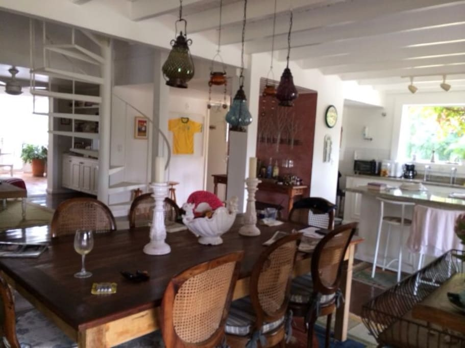 A sala de jantar é apenas mais um dos lugares para as refeições
