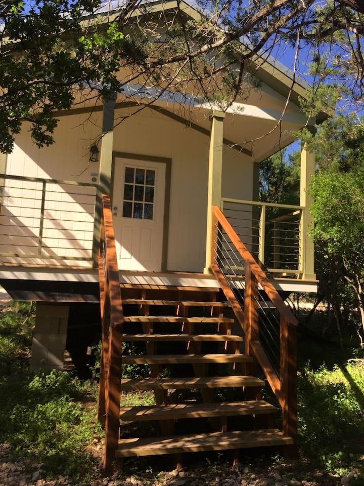 Cabin 1 - Beautiful, brand-new, modern Cabins @ Bandera Crossing Resort **PLEASE NOTE: We are in Bandera, Texas**
