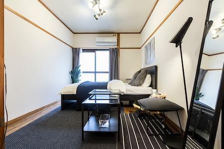 1 min to Shimokitazawa Sta! Homey & Clean Apt.1 - Setagaya-ku - Apartment