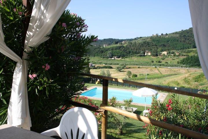 Deliziosa casa per famiglia con piscina e giardino