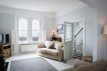 Luxury Family Devon Beach House - Budleigh Salterton - บ้าน