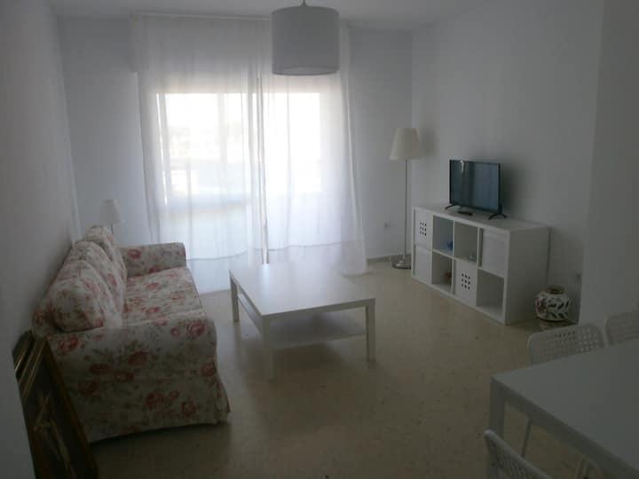 Apartamento completo en la playa con piscina.