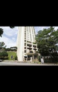 Family home in City of Kuala Lumpur - Kuala Lumpur - Condominio