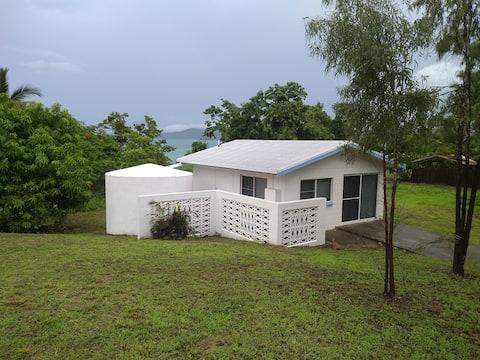 Hydeaway Beach Hut absolute beachfront Whitsundays