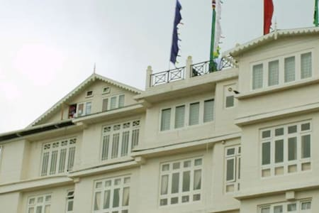 CHAS Sanderling Hotel - Darjeeling - Boutique-hotelli