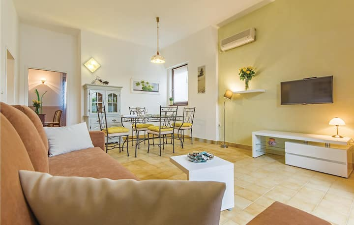 Awesome home in Medulin with WiFi and 2 Bedrooms
