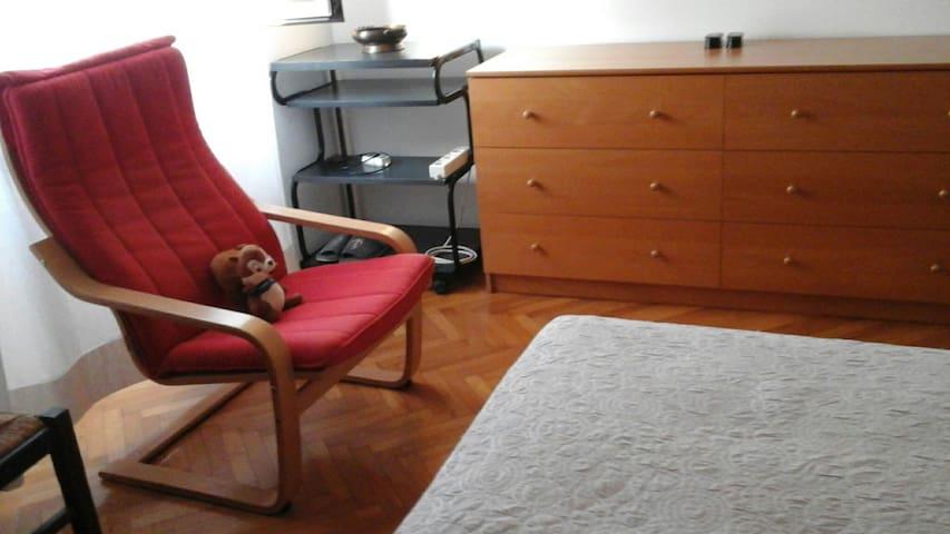 Camera privata per 1 persona con ampio letto
