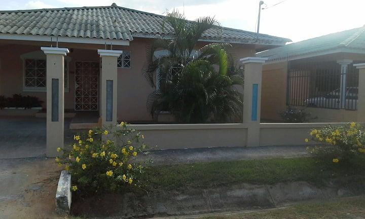 Brisas de los guayacanes casa 253