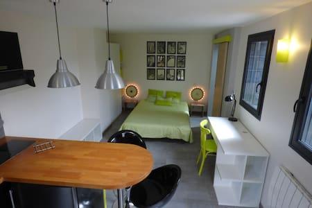 Studio indépendant + Terrasse - Сен-Мор-де-Фоссе