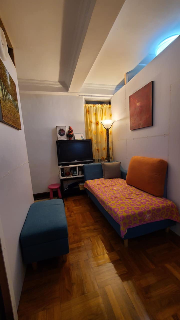 PRIVATE ROOM FOR GIRLS/FEMALE ONLY