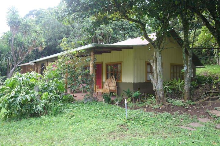 Querencia Homestead Casita - Monte Verde - Rumah