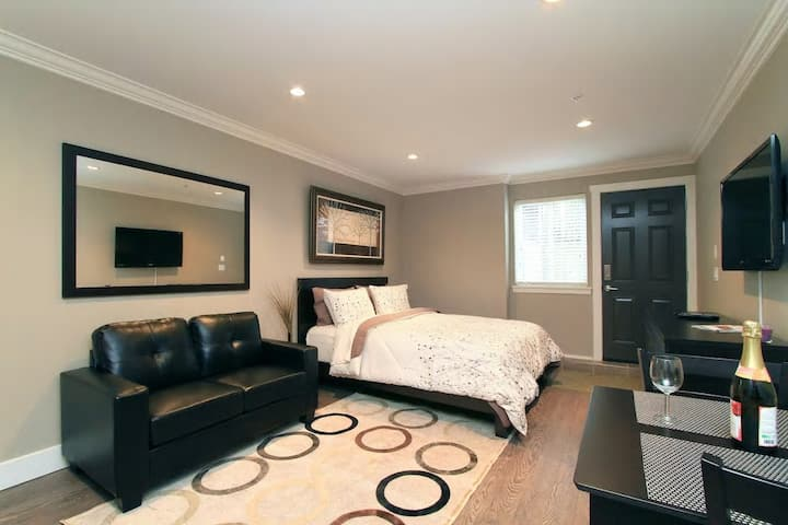 Vancouver Large Private Suite