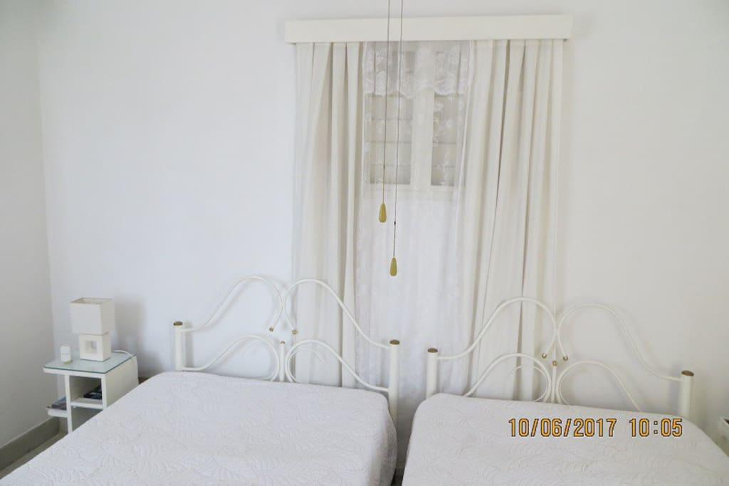 agradable, limpia y confortable habitacion