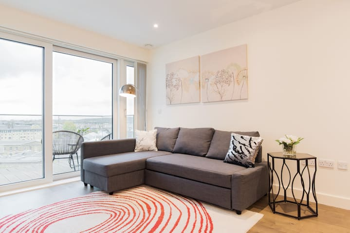 Luxury 1BED Royal Arsenal Woolwich Riverside