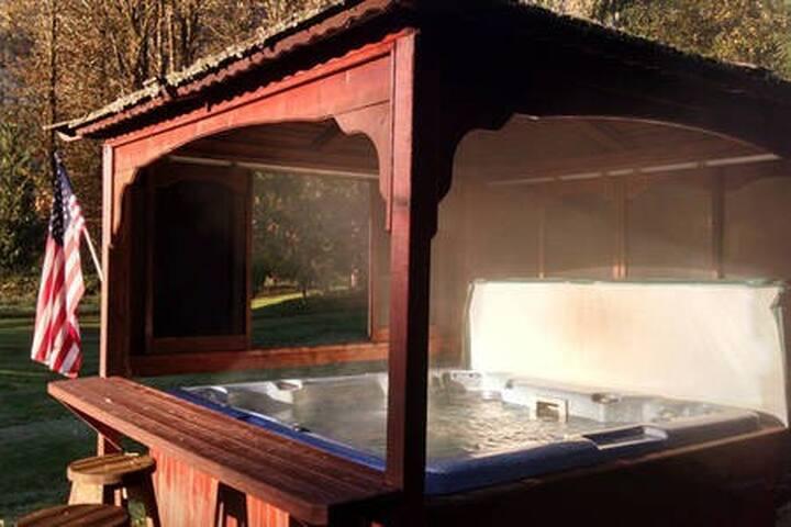 Covered hot tub!