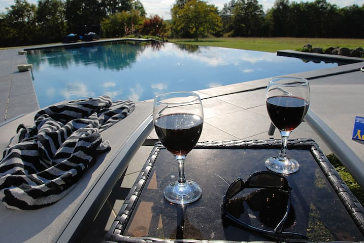 Beautiful picturesque villa - Saint-Front-la-Rivière - Villa