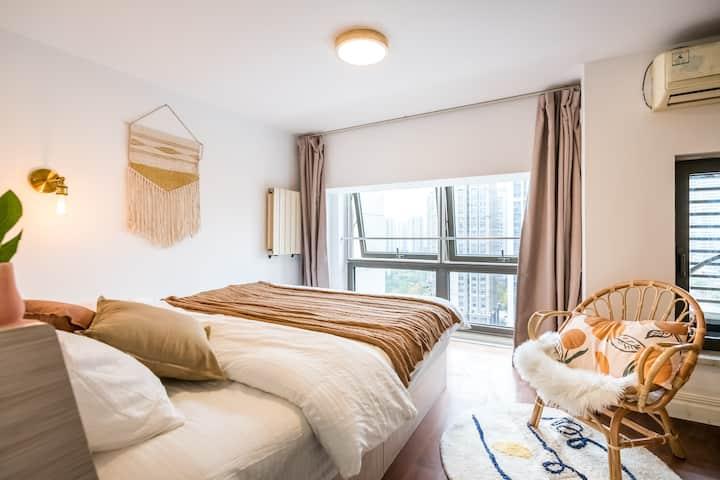 【最美的期待】两室网红秋千loft |超清投影|十分钟天津之眼|大悦城|滨江道|