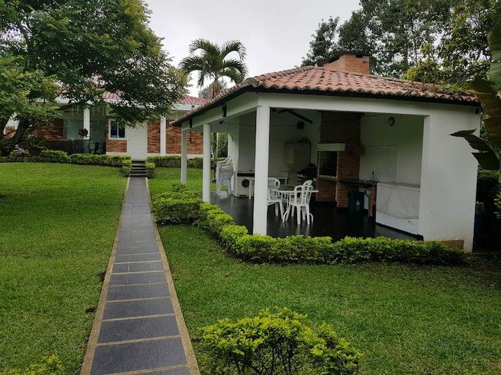 CASA CAMPESTRE EN LA MESA CUNDINAMARCA
