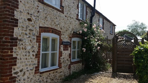 Meadow Cottage Norfolk UK