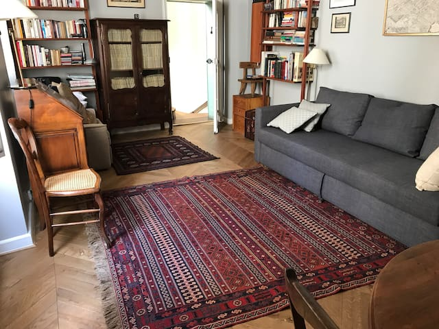 Chic studio in mobility lease by Luxembourg Park.