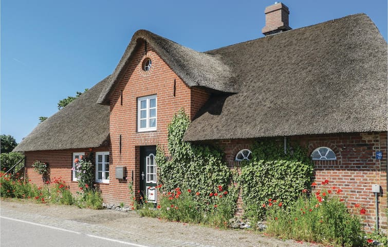 Holiday cottage with 2 bedrooms on 80m² in Galmsbüll