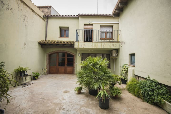 House with a patio on Costa Brava historic town