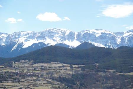Casa  en Aristot (Alt Urgell), con vistas al Cadí