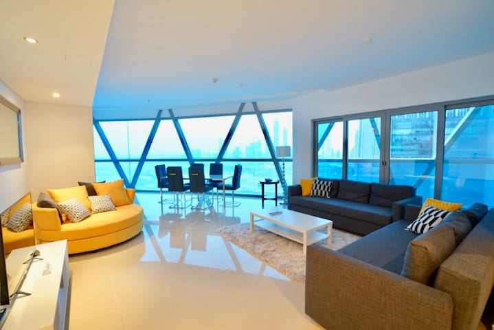 Modern and wide living room! Good city view luxury