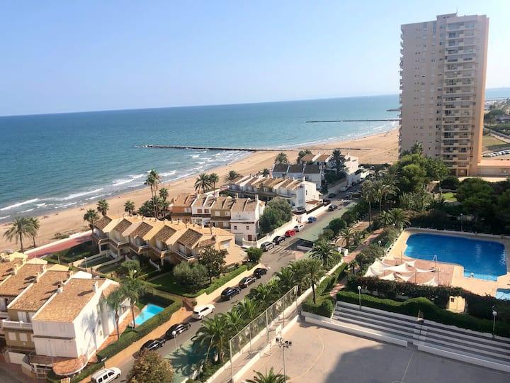 Apartamento 1era linea de playa. Vistas increíbles