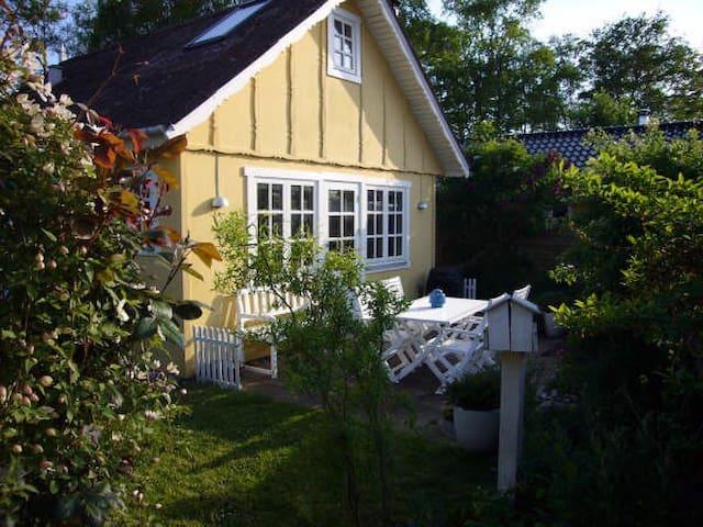 Sommerhus 100 m. fra Enø Strand. - Karrebæksminde - 一軒家