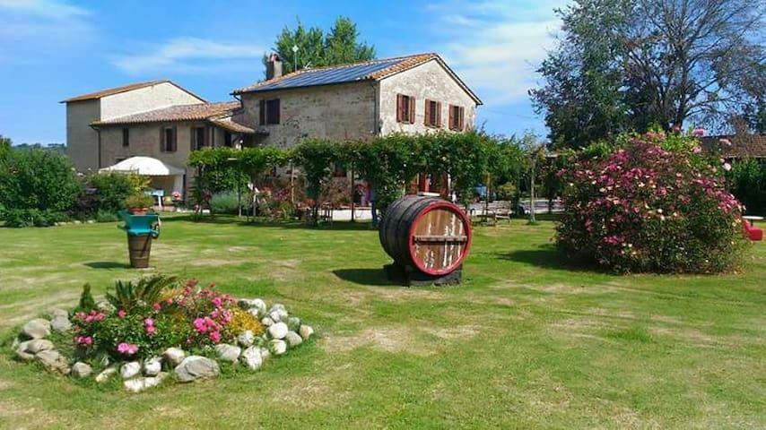 Affascinante casale antico - Umbria, IT - Leilighet