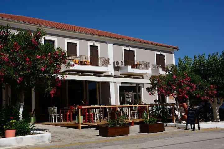 Porto Thiaki  Studio 4