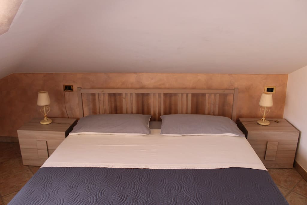 rooms to go bedroom the house apartments for rent in giardini naxos 16994