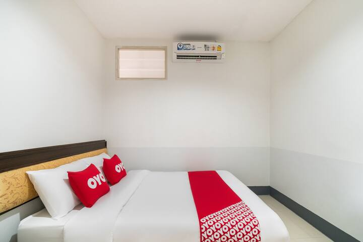 OYO 9's Born / Monthly Room