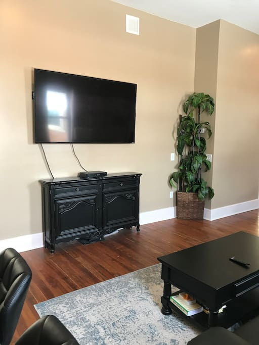 75 inch TV with Netflix + Cable TV