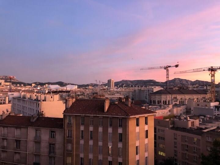 Appart.avec balcon & vue au calme-Centre Marseille