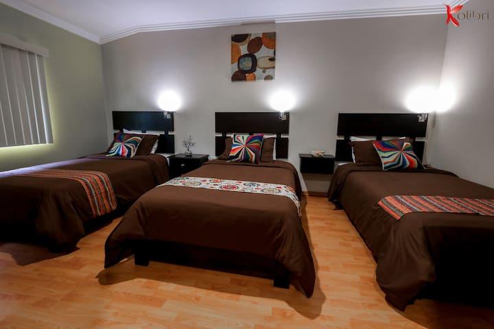 Hostal Kolibri B&B Habitación triple