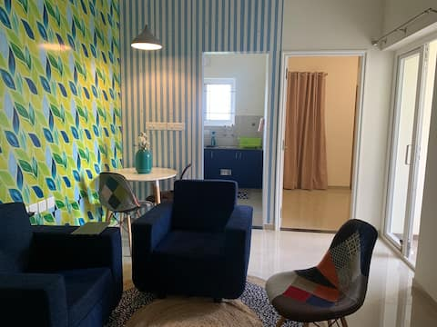 Cosy apartment 15 mins from airport