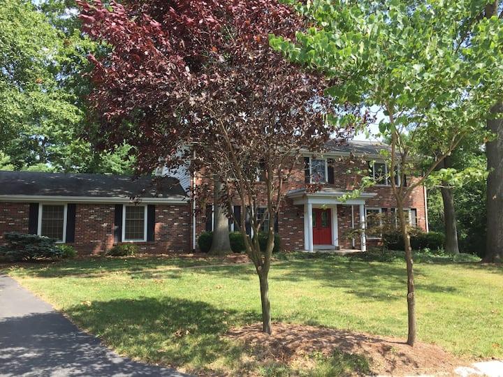 Large Suburban St Louis Home